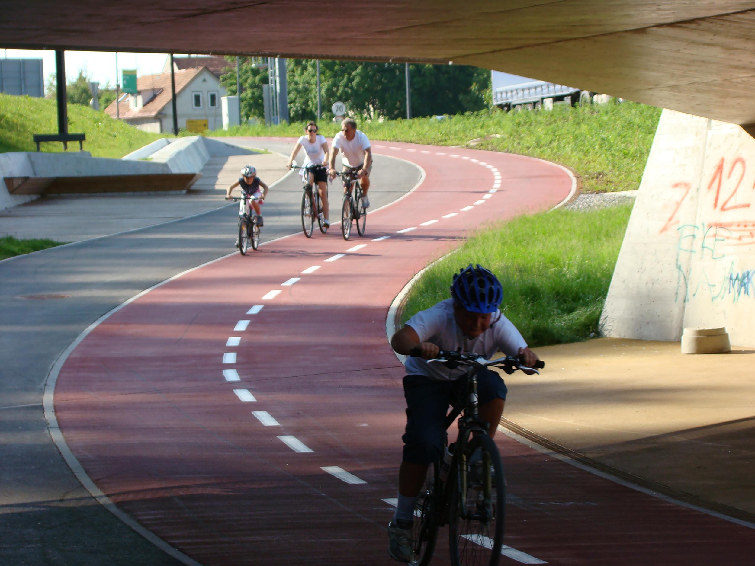 bruto ac park šentvid ljubljana most tunel underpass podhod